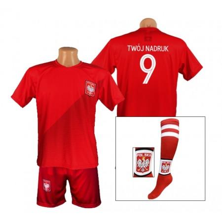 Czerwona Koszulka Polska z Twoim nadrukiem, spodenki oraz getry