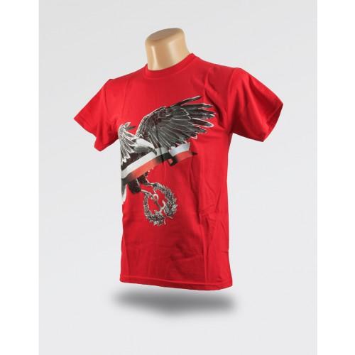 Czerwona koszulka orzeł i flaga Polski