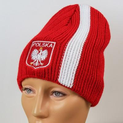 Czapka kibica zimowa czerwona z pionowym paskiem i stylizowanym godłem